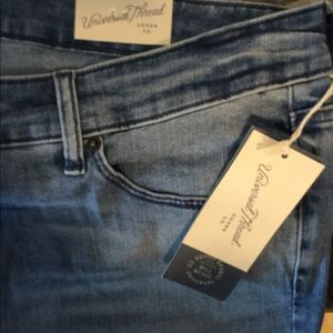 Universal Thread lady's jeans 18 W